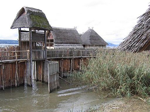 D-BW-Uhldingen-Mühlhofen - Pfahlbaumuseum - Sipplinger Dorf