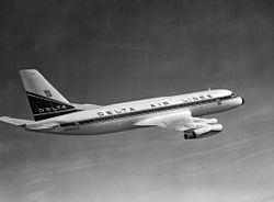 DAL-Convair-880inflight.jpg