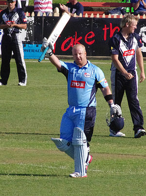Daniel Smith (cricketer) - Daniel Smith acknowledges the crowd after making a century against Victoria in Ryobi One-Day Cup, 2011.