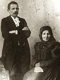 Dankó Pista és édesanyja.jpg
