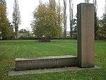 Dessau Friedhof 2 Memento 7. März 1945.JPG