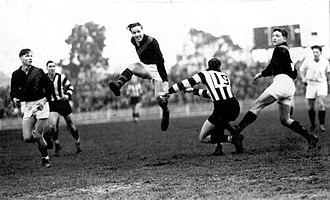 Dick Reynolds - Reynolds in action.