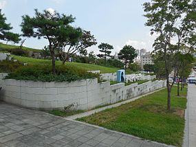 Dongdaemun City Wall Park.JPG