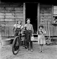 Dorothea Lange, The Arnold children, Michigan Hill, Washington, 1939.jpg