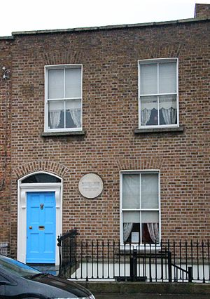 """George Bernard Shaw - Shaw's birthplace (2012 photograph). The plaque reads """"Bernard Shaw, author of many plays, was born in this house, 26 July 1856""""."""