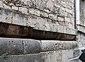Duomo di isernia, esterno, podio a doppio cuscino del tempio italico precedente, III secolo ac. 04.jpg
