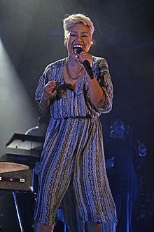 Emeli Sandé in concerto ad Offenbach am Main nel 2013.