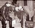 Ena izmed petih mariborskih deratizacijskih ekip pri delu 1960.jpg