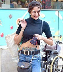 Erica-Fernandes-snapped-at-Foodhall-5.jpg