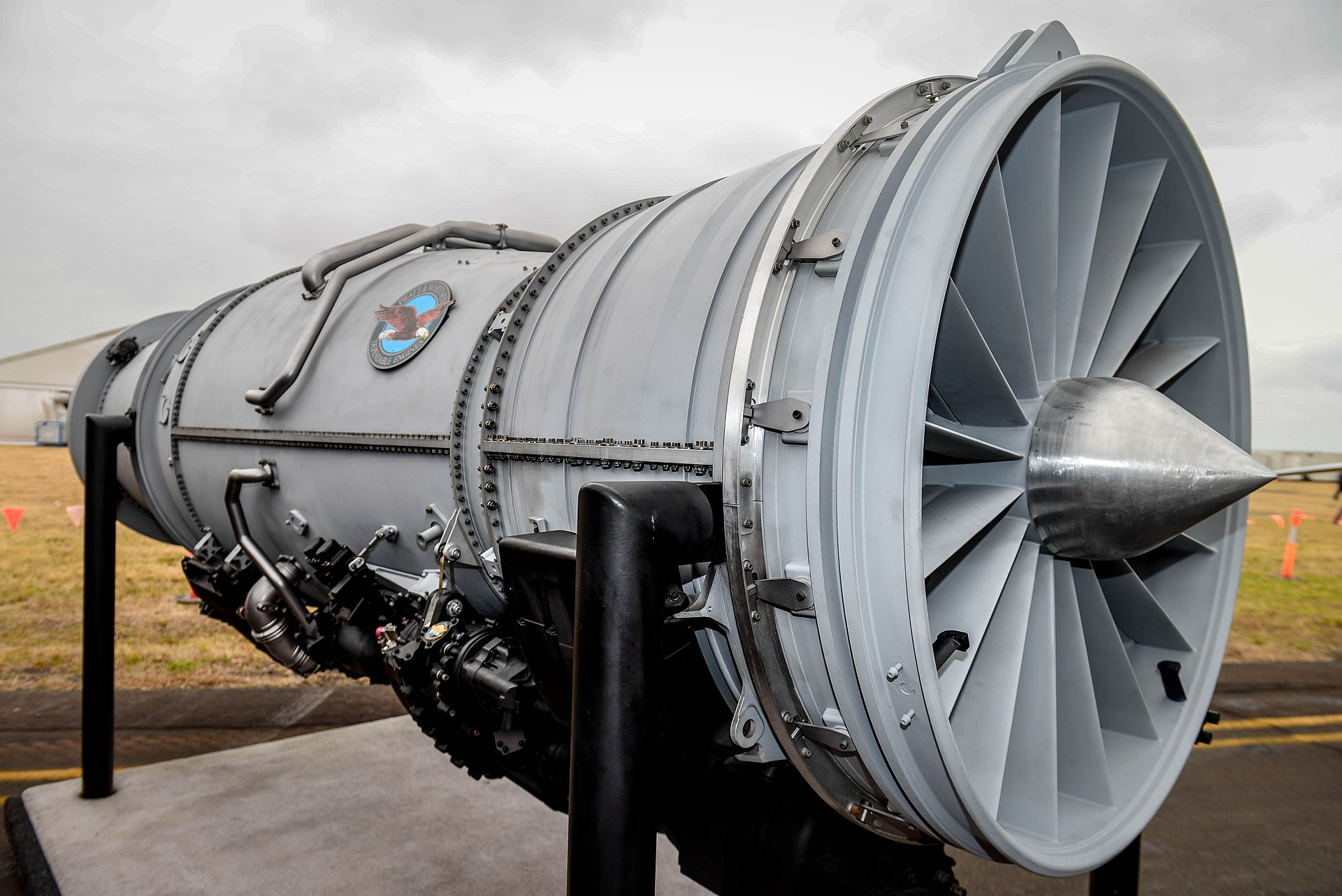 how to start a fighter jet engine