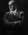 Ferdinand Sauerbruch 1927, by Franz Grainer.png