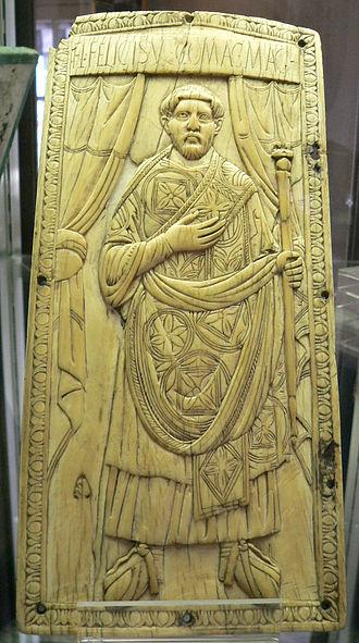 Felix (consul 428) - Left leaf of the consular diptych of Flavius Felix