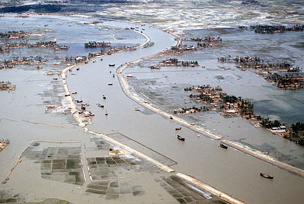 Flooding after the 1991 Bangladesh cyclone, which killed around 140,000 people. Flooding after 1991 cyclone.jpg