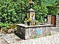 Fontaine en haut du village.jpg