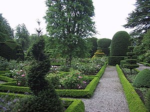 English: Formal Garden at Levens Hall