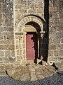 Fr Manche Saint-Loup Church Lateral right door.JPG