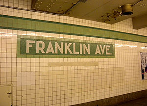 Franklin Avenue–Fulton Street (New York City Subway) - Platform trim line and name tablets