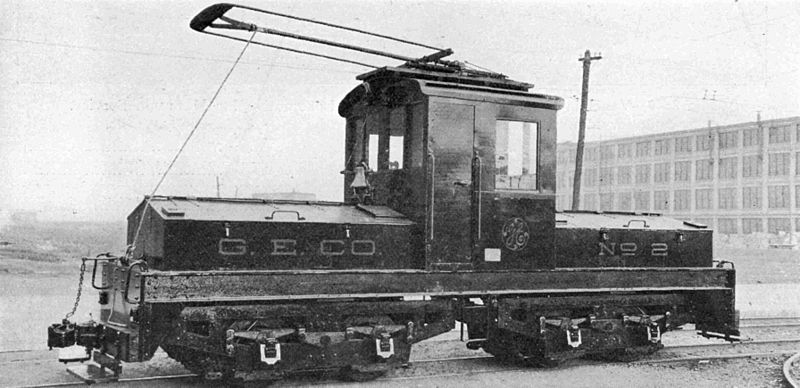 File:GE trolley and battery locomotive.jpg