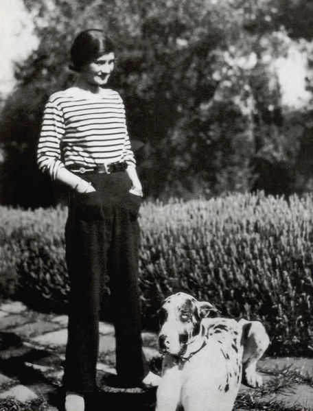 Gabrielle Bonheur Chanel in a marinière top circa 1928. Coco Chanel and Jean Paul Gaultier are among the major French designers who made the Breton Stripe iconic. (Author unknown. Source: Wikimedia Commons.)