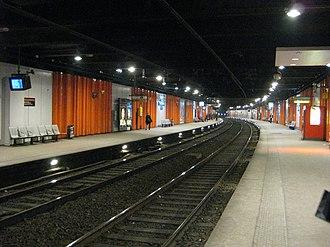 Gare du Pont de l'Alma - Image: Gare RER C Pont de l'Alma