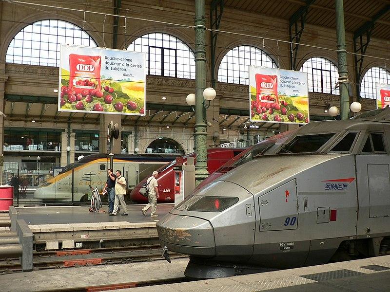Gare du Nord threesome.jpg