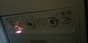 Environmental control system (aircraft) - Gasper over passenger seats of a Boeing 737-800