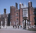 Gateway, Hampton Court Palace, 1965 - geograph.org.uk - 911814.jpg