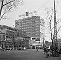 Gezicht op de Vesterbrogade met op de achtergrond v.l.n.r. een kantoor van Arbej, Bestanddeelnr 252-8821.jpg