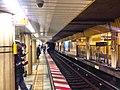 Ginza line - shimbashi stn platform - Jan 29 2018.jpg