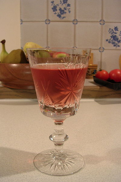 Archivo:Glass of rosé.jpg