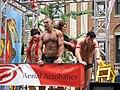 Go-go boys em parada-4.jpg
