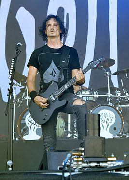 "Gojira, Joseph ""Joe"" Duplantier at Wacken Open Air 2013 02.jpg"