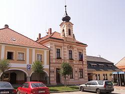 GolčůvJeníkov-radnice.JPG