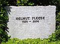 Grabstein Helmut Fleege (1926-2006).jpg