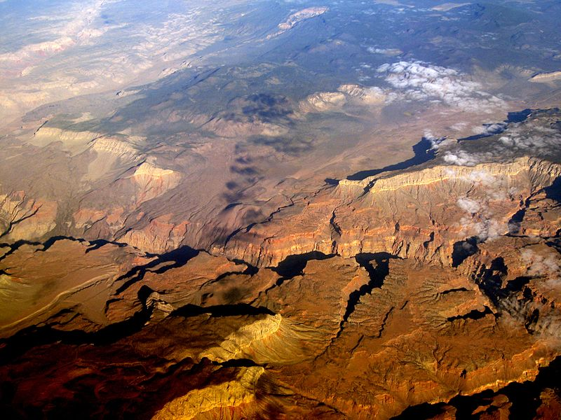 File:Grand Canyon, from about Mohawk to Whitmore Canyons, below the Uinkaret Volcanic Field.jpg
