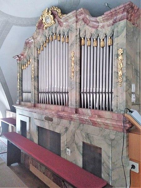 Datei:Grasbrunn, St. Ulrich (Schuster-Orgel) (13).jpg