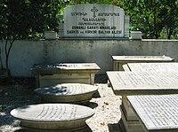 Graves of the Balyan family.jpg
