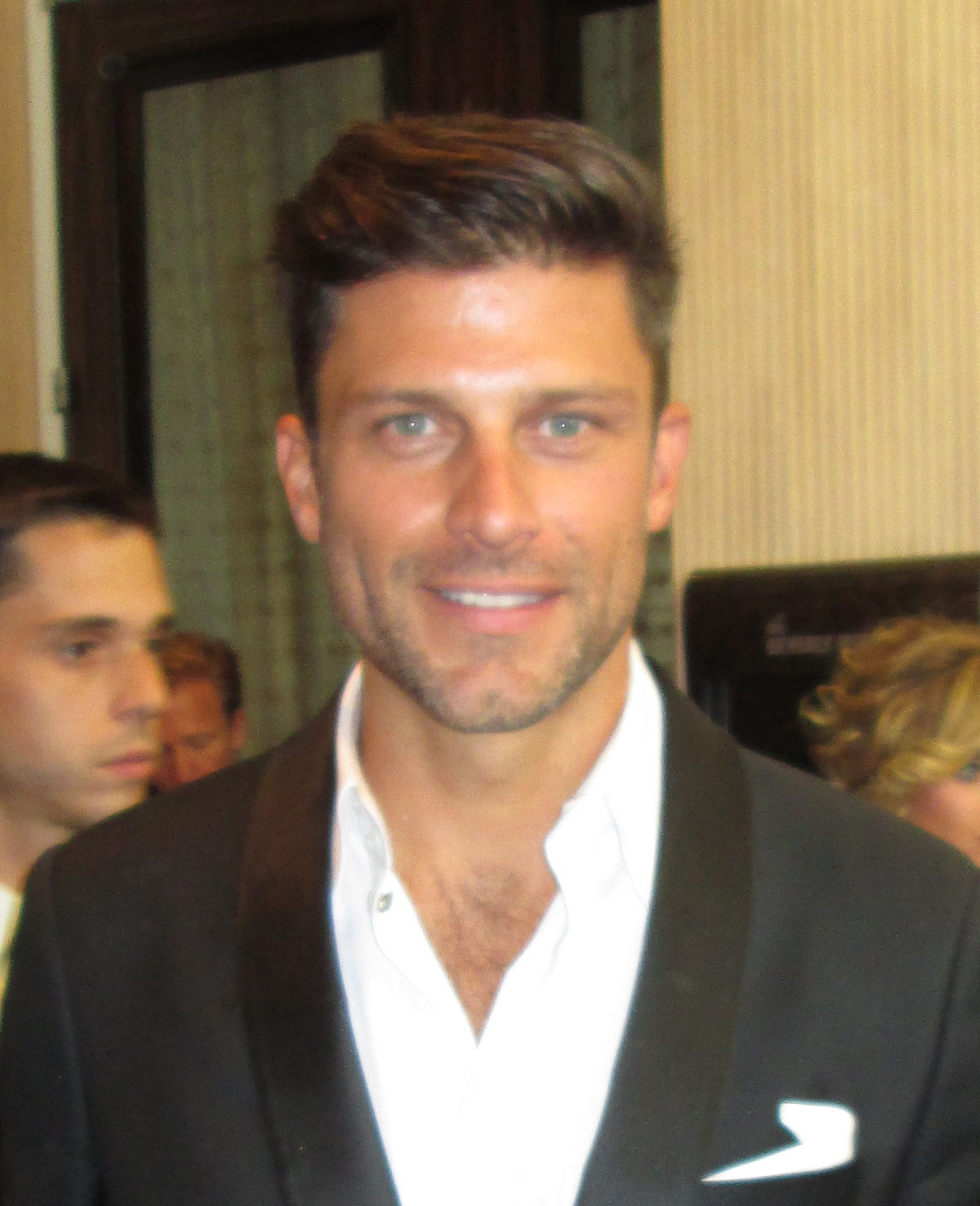 greg vaughan shirtless