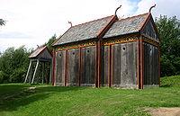Den rekonstruerede kirke fra Hørning Sogn i den rekonstruerede vikingelandsby ved museet