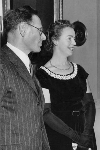 Hans Adolf Krebs - Krebs with wife in Stockholm in 1953