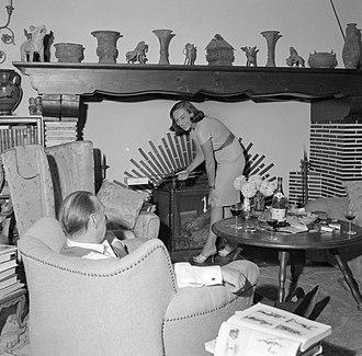 Erich Maria Remarque - Remarque and Paulette Goddard in Porto ronco, 1961