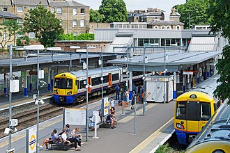 Highbury & Islington station - Image: Highbury and Islington station MMB 29 378224 378202