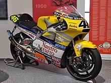 La Honda NSR500 con cui Rossi ha vinto nel 2001 l'ultimo titolo mondiale nella storia della Classe 500