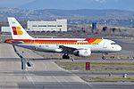 Iberia, Airbus A319-111, EC-KBX - MAD (22592713092).jpg