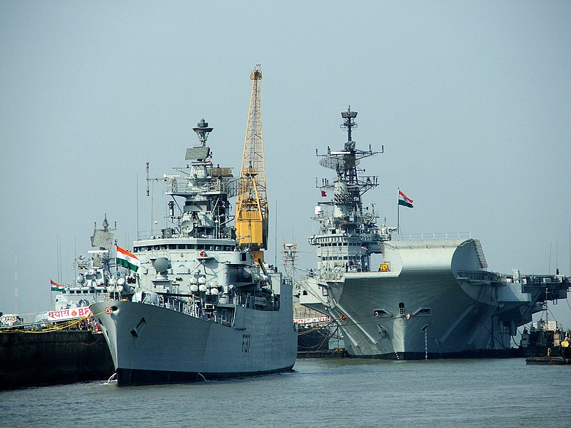 चित्र:Indian Navy ships.jpg