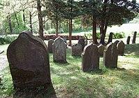 Jüdischer Friedhof Schwelm - Älteres Gräberfeld.jpg