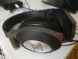 JBL - Image: JBL Synchros E50BT