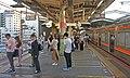 JR Nishi-Funabashi Station Platform 11・12.jpg