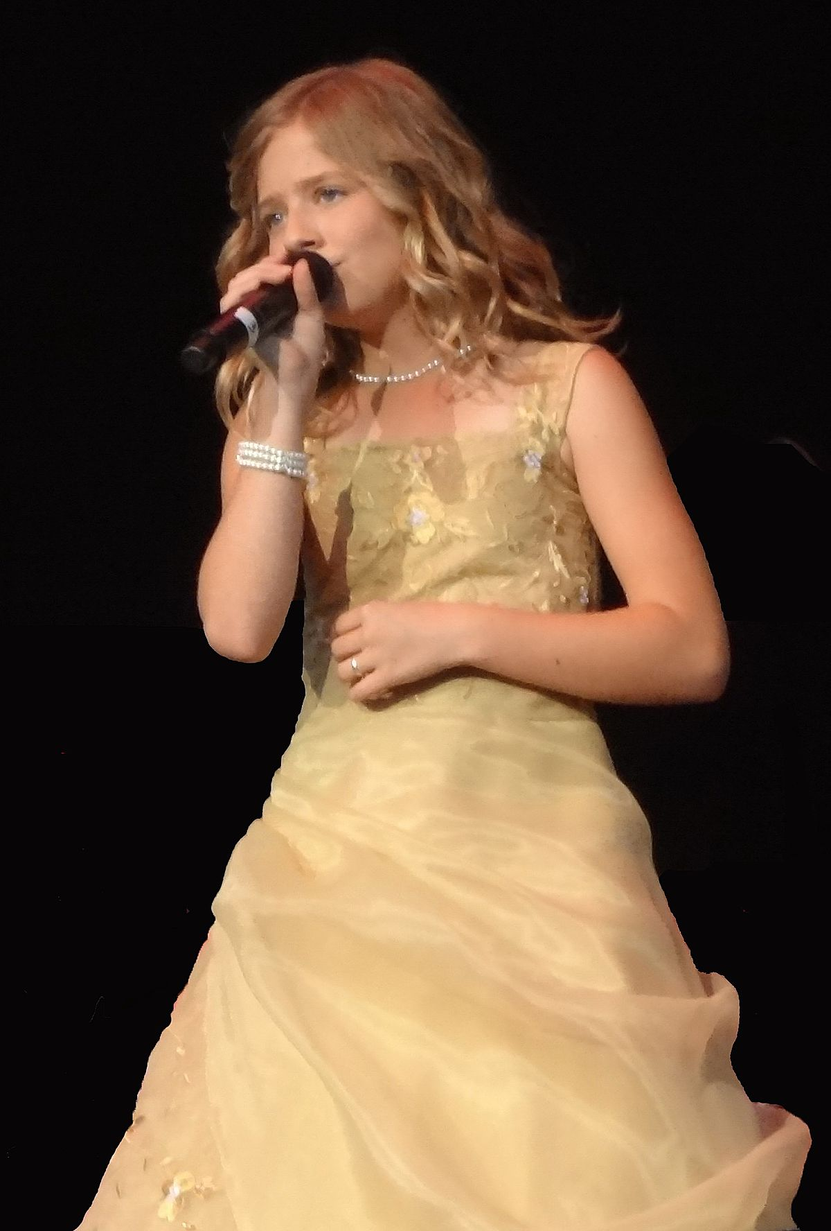 jackie evancho someday at christmas