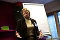 Jane Darnell over biografieën van vrouwen en 17e eeuwse schilderessen op Wikipedia bij de Wikimedia Nederland Conferentie 2013 (10643108144).jpg